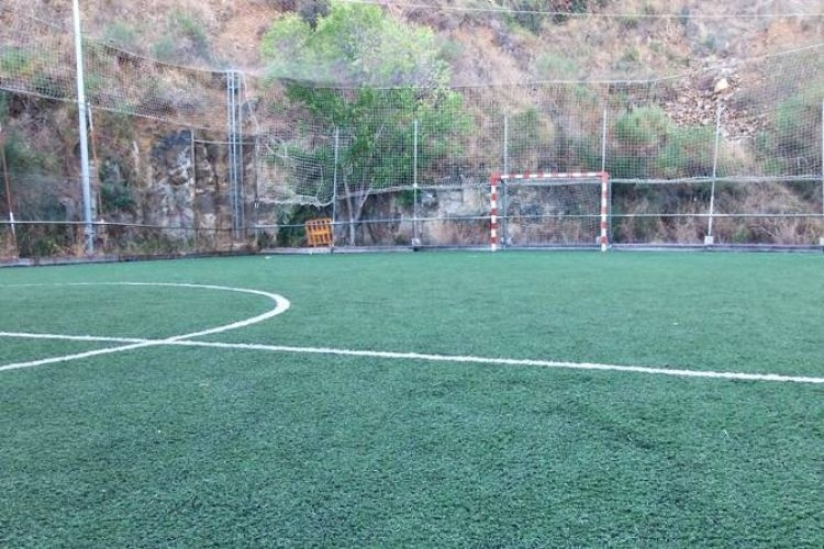 Pista de futbol sala medidas perfect with pista de futbol for Pista de futbol sala medidas